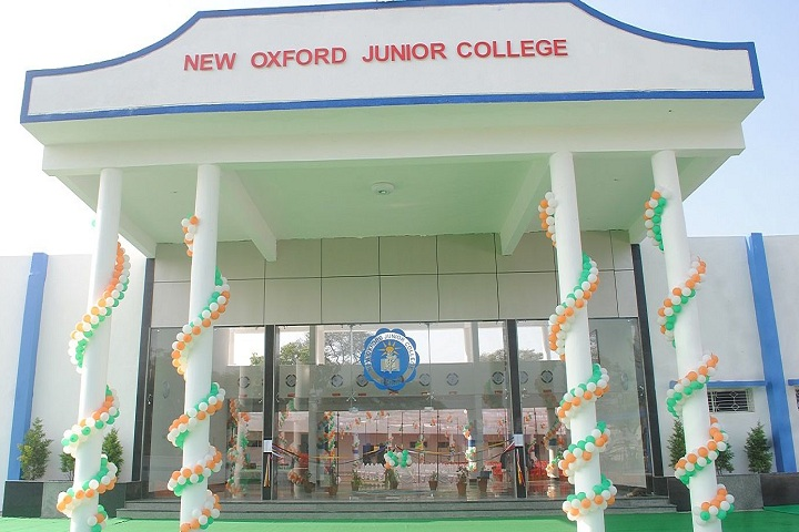 New Oxford Junior College-Campus View Entrance