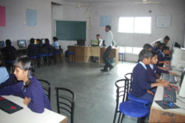 Patra Gurukul International School-Computer-Lab