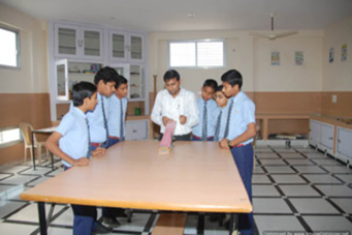 Patra Gurukul International School-Lab