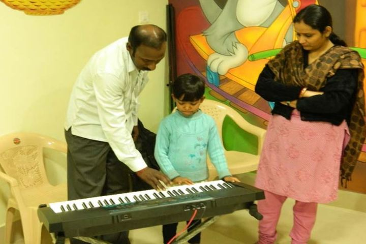Pearls Valley School-Music-Classes
