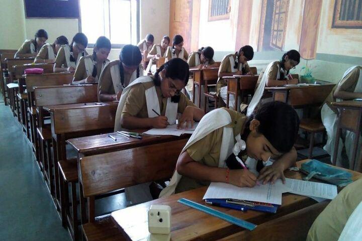 Pratibhasthali Gyanoday Vidiyapeeth-Exam-Room