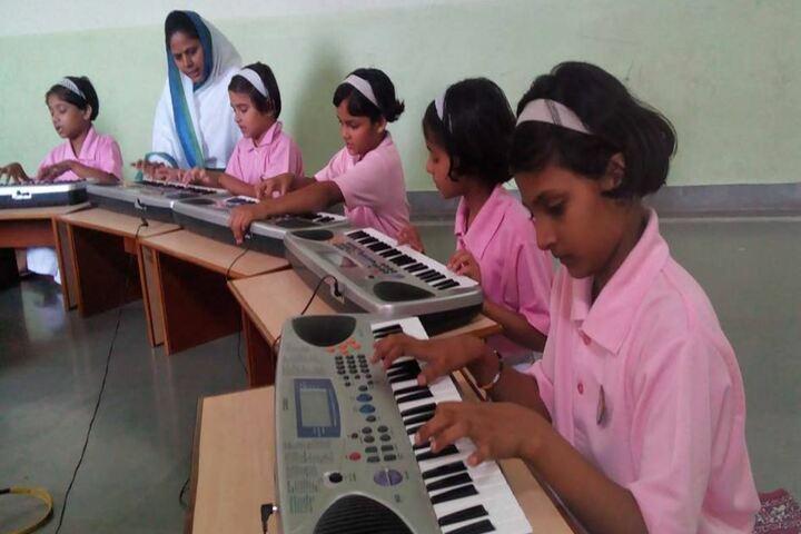 Pratibhasthali Gyanoday Vidiyapeeth-Music