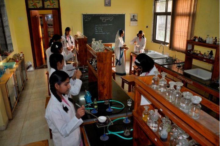 Pratibhasthali Gyanoday Vidiyapeeth-Chemistry Lab