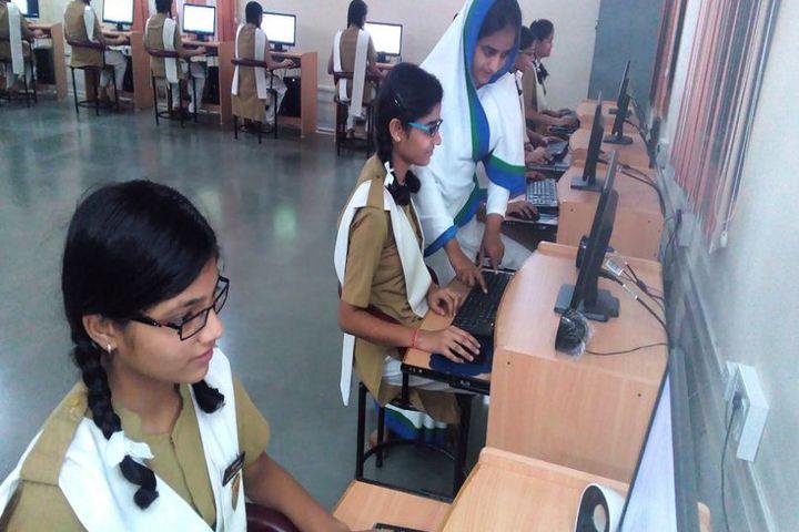 Pratibhasthali Gyanoday Vidiyapeeth-Computer Lab