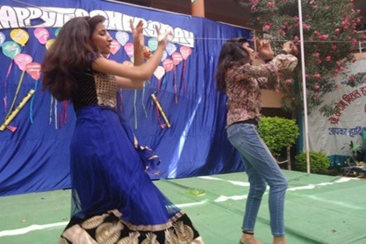 Prof Santosh Mittal Higher Secondary School-Dance