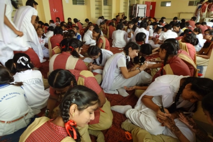 Rai Saheb Bhanwar Singh Public School-Mehandi-Competition