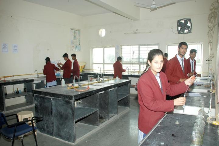 Raj Heights The Global School-Science Lab