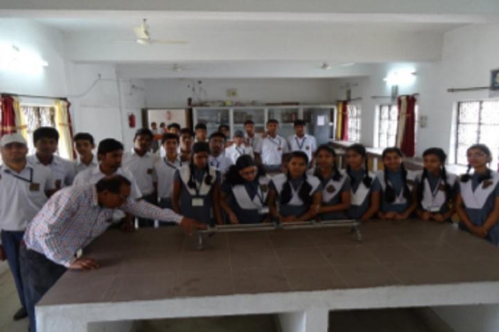 Ramakrishna Vivekananda Vidyapeeth-Physics Lab