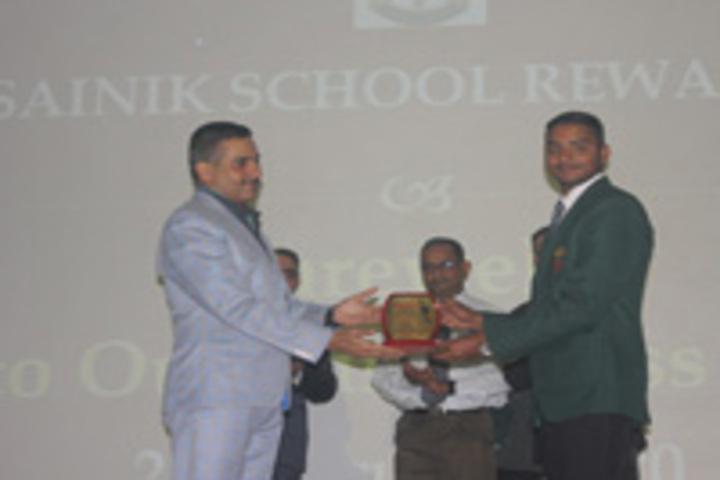 Sainik School, Rewa - Price Giving