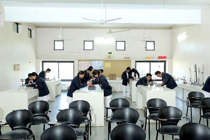 Sanmati Higher Secondary School-Lab