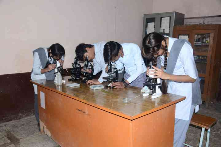 Sarasvati Vidhya Mandir Higher Secondary School-Chemistry Lab