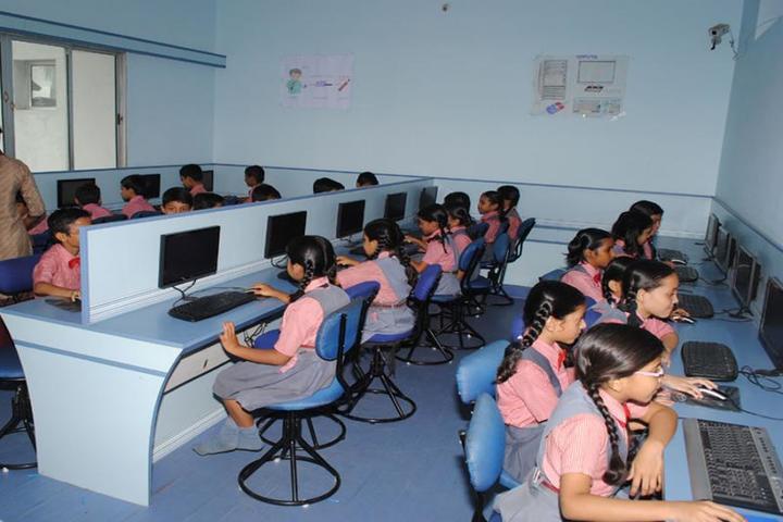 Scholars Den Higher Secondary School-Computer Lab