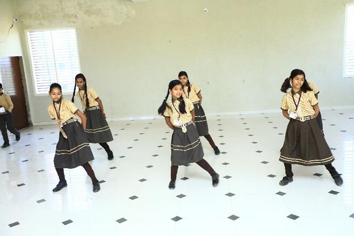 Scholars Public School-Dance