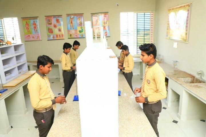 Scholars Public School-Science Lab