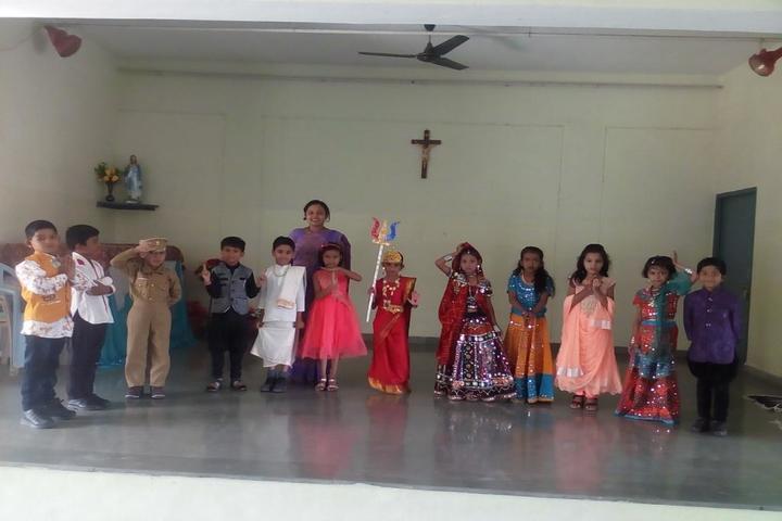 Shanti Nilaya High School-Fancy Dress