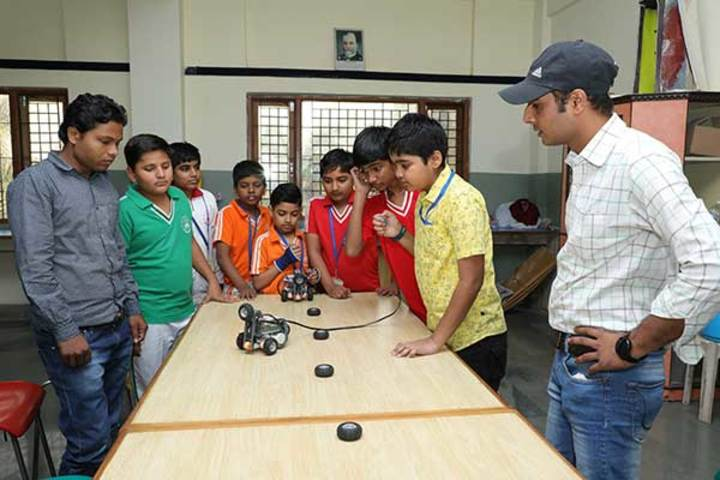 Shree Bhavans Bharti Public School-Robotics Lab