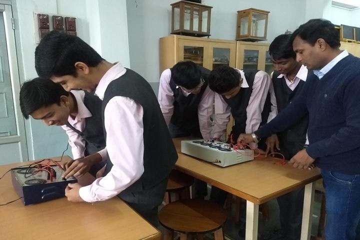 Shri Agrasen Vidyalaya-Physics Lab