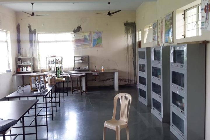 Shri Radha Vallabh Academy-Lab