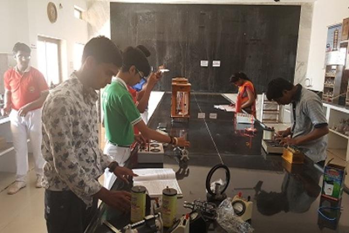 Shri Rajendra Vidhya Sanskar Dham-Physics Lab