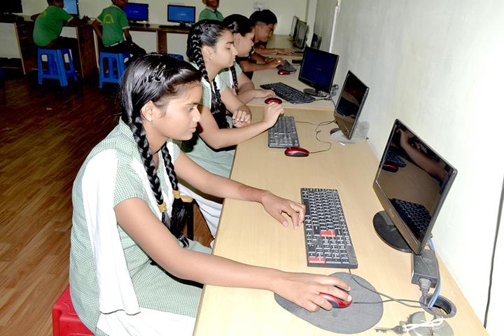 Shri Ramji Lal Senior Secondary School-Computer Lab