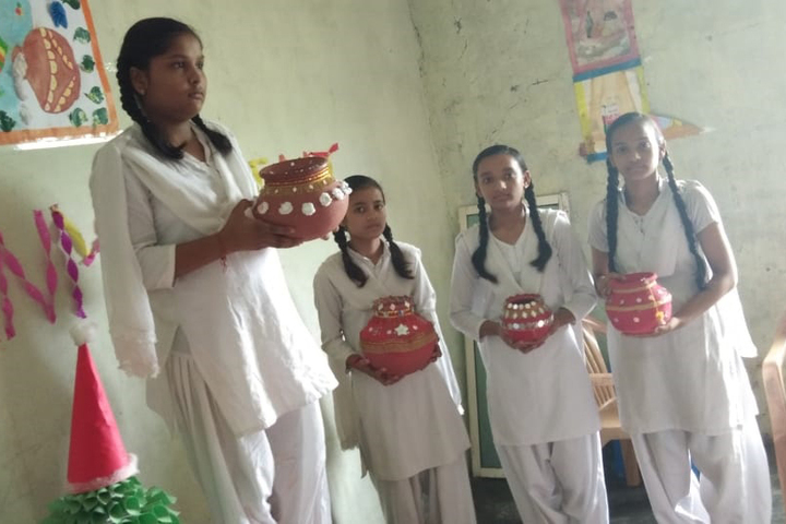 Shri Ramji Lal Senior Secondary School-Pot Painting