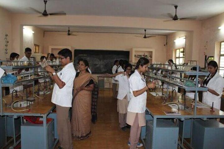St Thomas School-Chemistry Lab