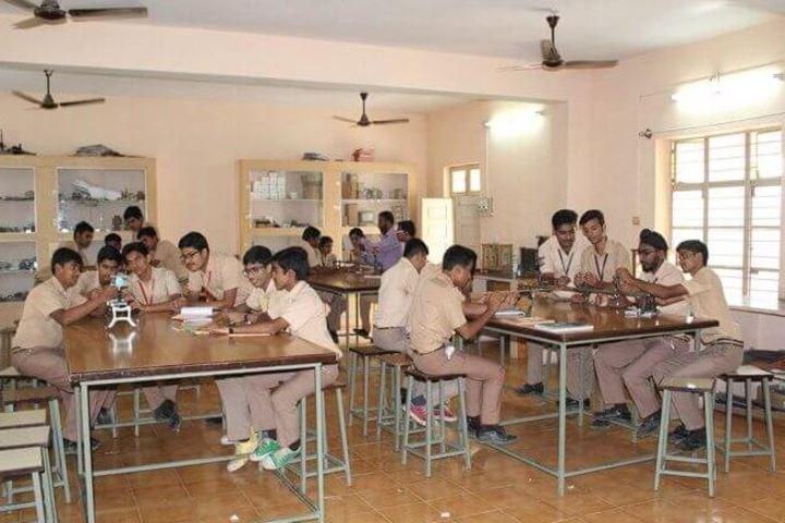 St Thomas School-Physics Lab