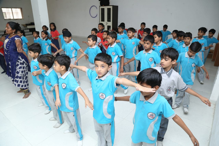 The Sardana International School-Dance Axtivity