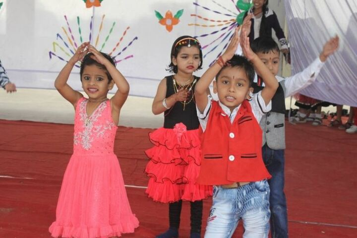 The Shivhare International School-Primary Dance