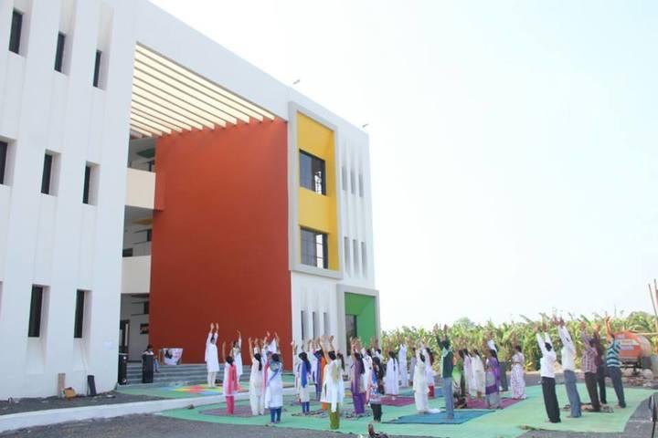Triumphal Arch Academy-Campus View