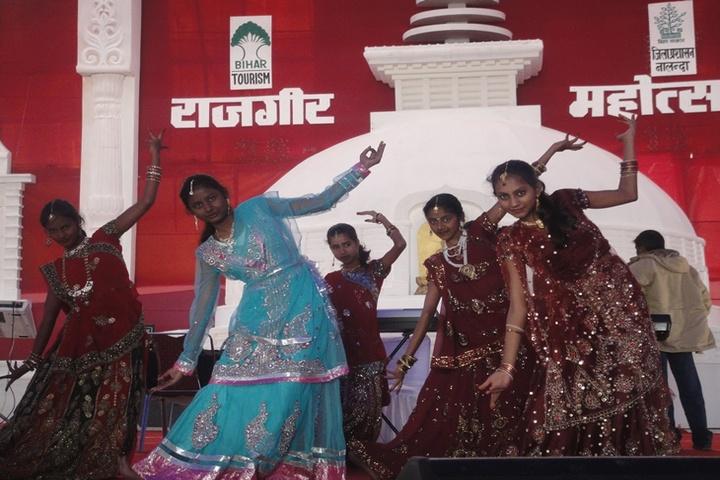 Cambridge School-Dancing Activity