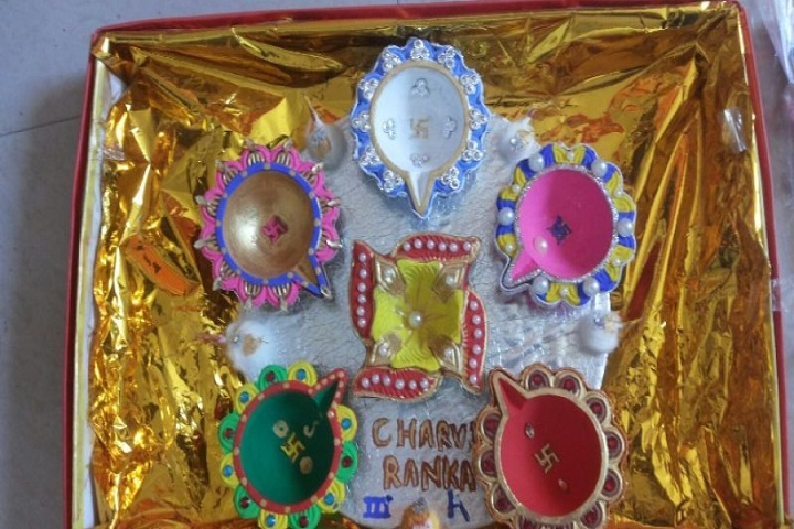 Vatsalaya Public School - Crafts