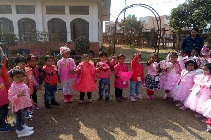 Venus Public School-Pink Day