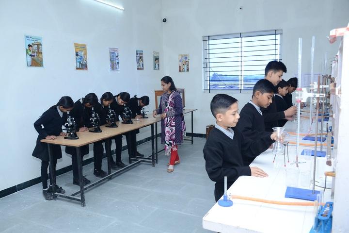 Vidyodaya International School-Bio lab