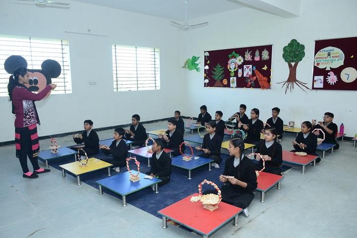 Vidyodaya International School-Primary Art class