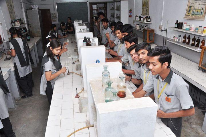 Vindhyachal Academy-Chemistry lab