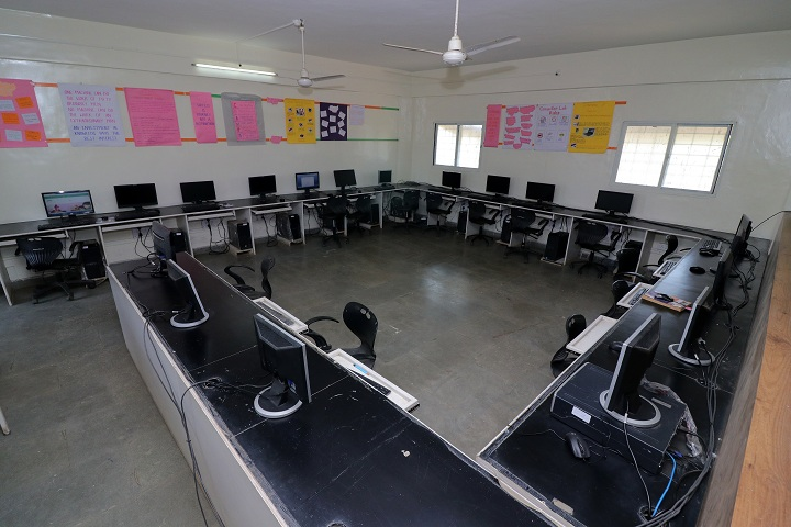 Aditya English Medium School-IT Lab
