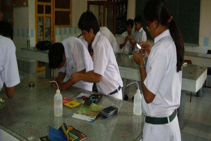 Central English School-Lab