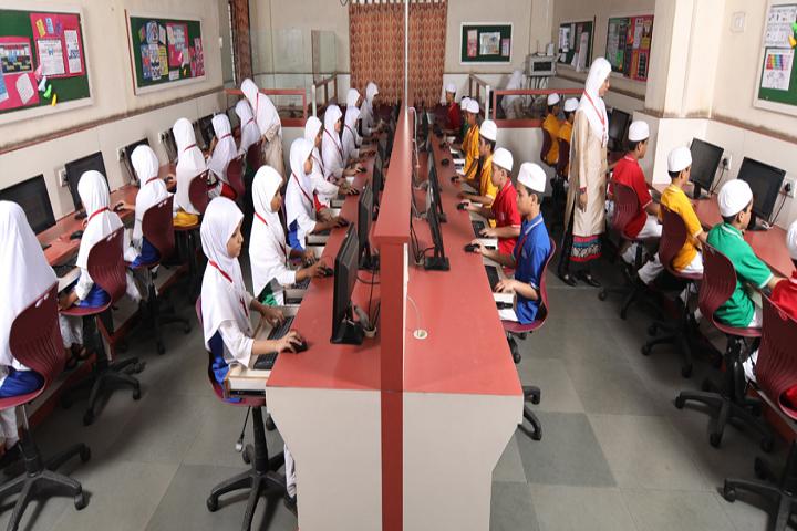 Al Barkaat Malik Muhammad Islam English School-IT-Lab