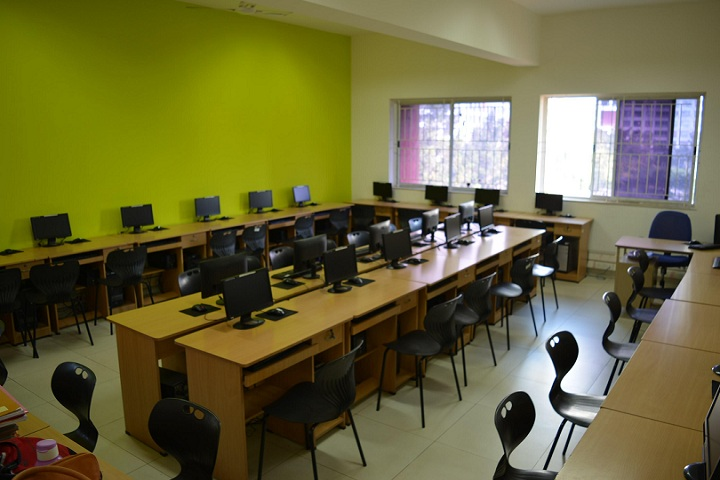 Amanora School-IT Lab