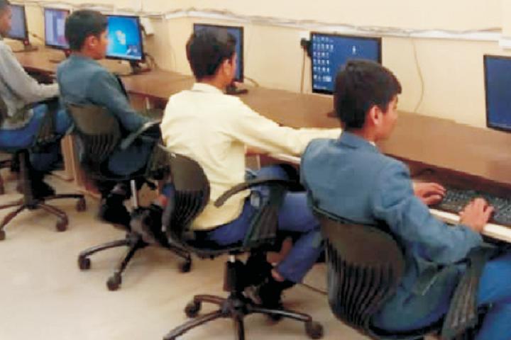 Atma Malik International School-IT Lab