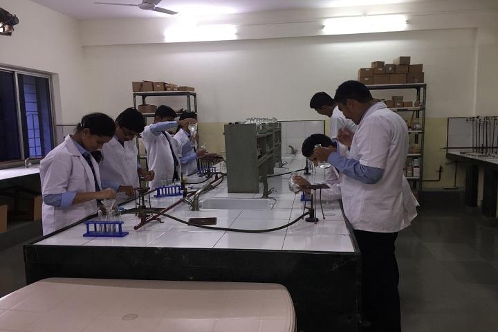 Bharati Vidyapeeth English Medium School-Chemistry Lab