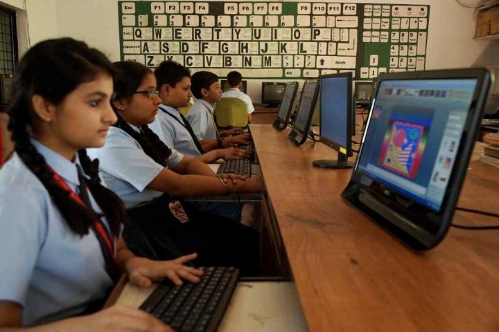 Chanda Public School-IT Lab