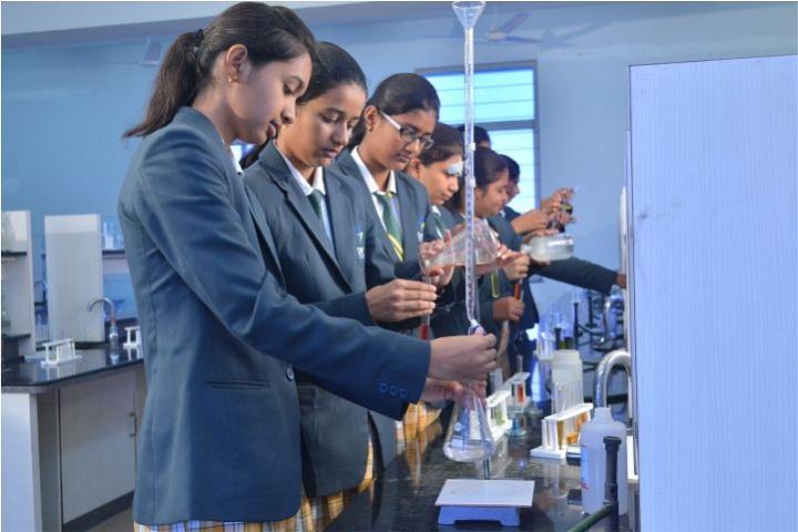 Dhruv Academy-Chemistry Lab