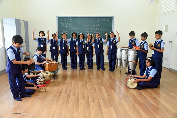 Dr Cyrus Poonawalla English Medium School-Music
