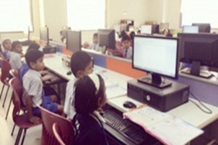 Dr D Y Patil Public School-Lab