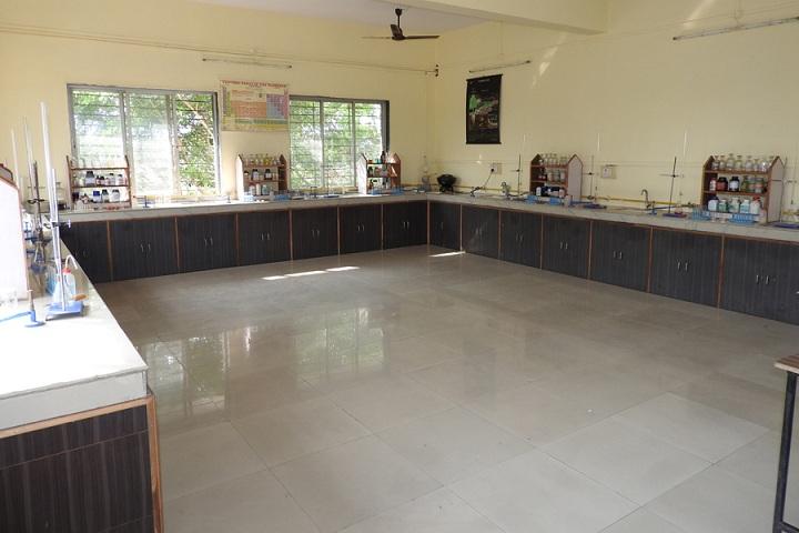 Dr Ulhas Patil English Medium School-Chemistry-Lab