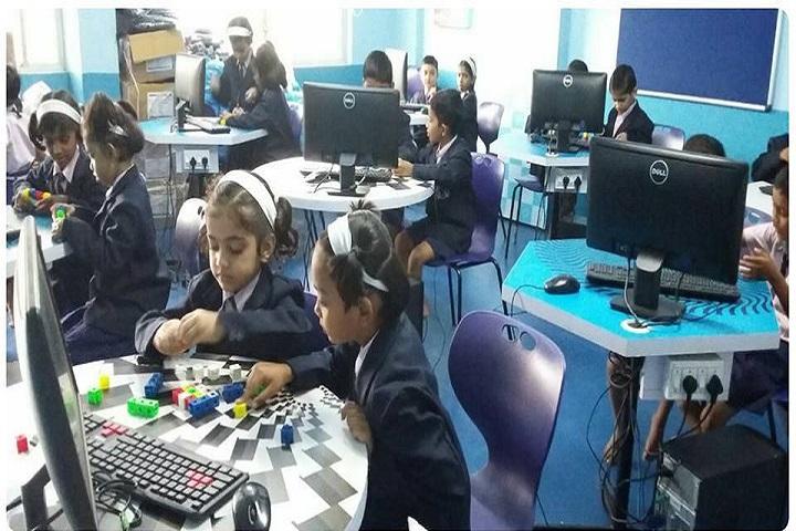 Gayatri English Medium School-Computer Lab