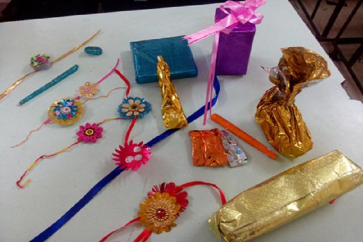 Gayatri English Medium School-Craft Work