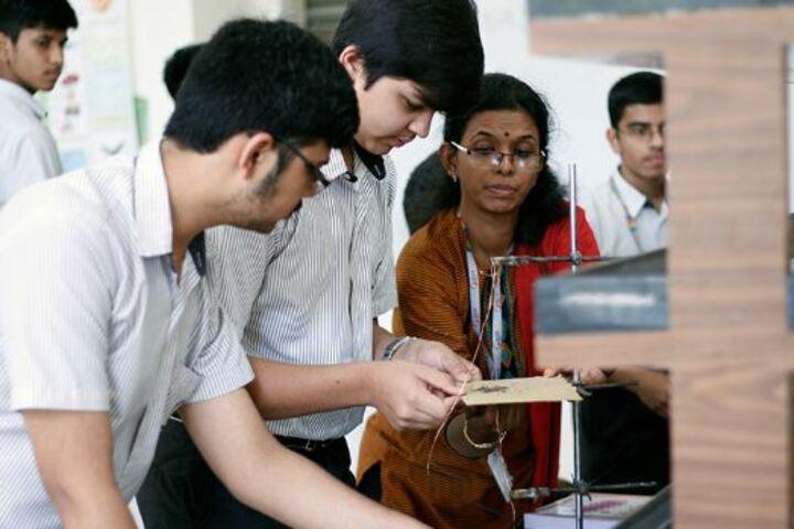 Elpro International School-Physics Lab